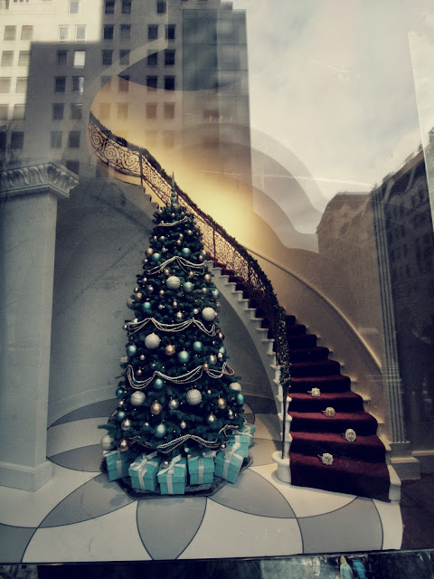 Tiffany's Tree #holidaywindows #5thavenuewindows NYC 2012