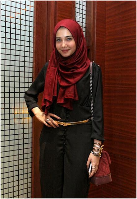 Gaya Hijab Style Ala Zaskia Sungkar