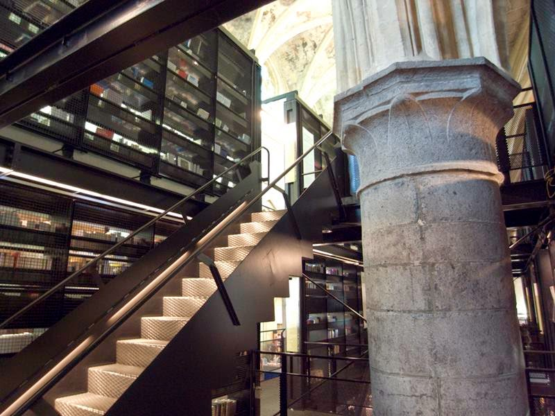 Selexyz Dominicanen - a store created from a merger between the town's Bergman's bookshop, the Academische Boekhandel, and the Dutch Selexyz bookshop chain - is housed in the thrilling setting of a 13th-century Dominican church.