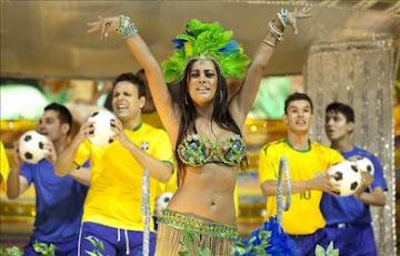 A ritmo de samba con Larissa Riquelme