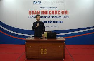 Thay-Gian-Tu-Trung-voi-chu-de-thau-hieu-ban-than