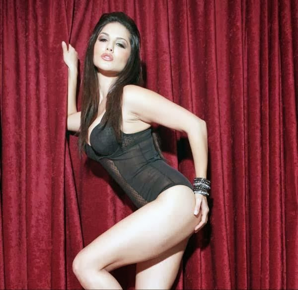 Sunny Leone's Hot Photos From Jackpot Movie