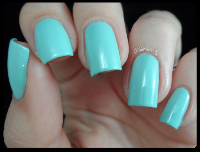 seventeen-17-gel-colour-nail-polish-mint-cooler-swatch