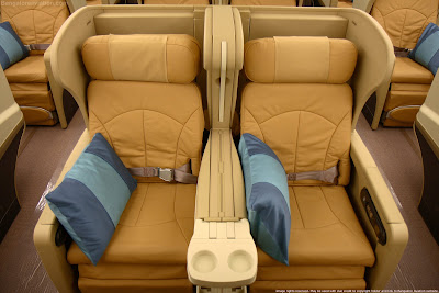 Singapore Airlines new Boeing 777-200 Business Class