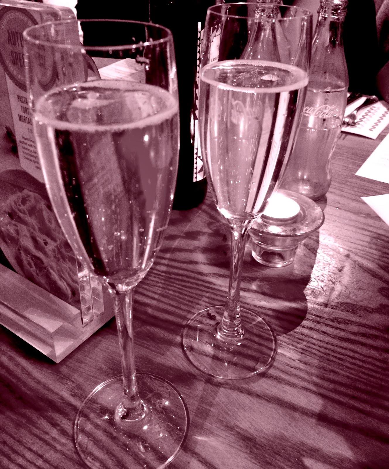 photojennic-birthday-champagne