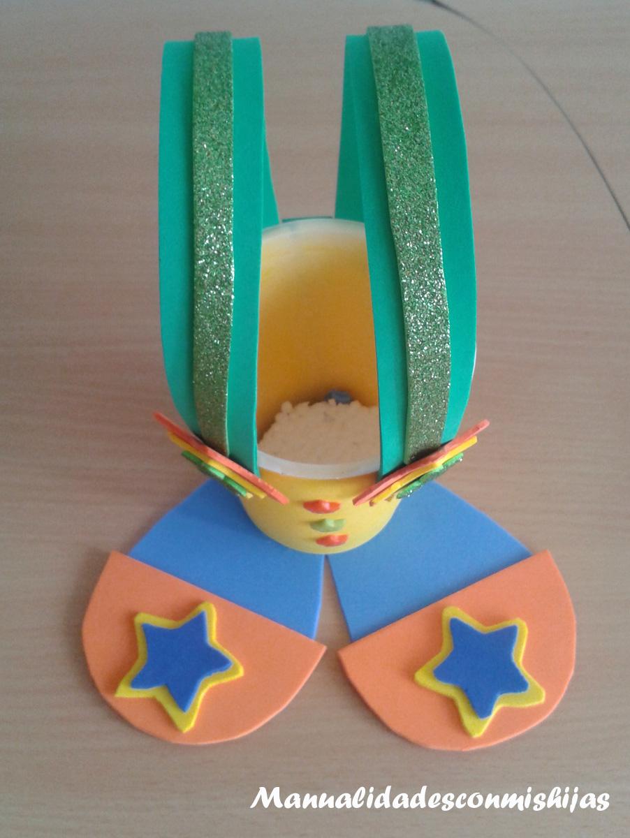 Empaquetado bonito: Un dulcero de payaso de foami