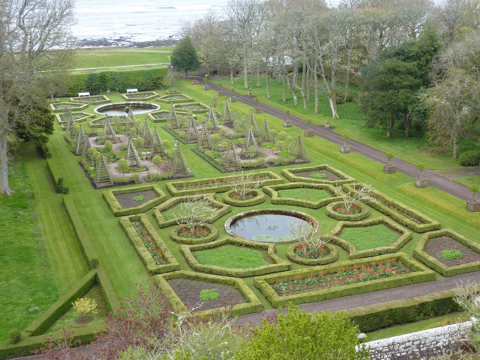 dunrobin mature personals Dunrobin castle - sutherland barra castle ~ dating from the early century sits in 800 acres of mature parkland between brechin and the montrose basin.