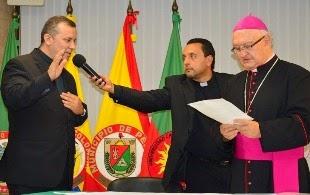 ASUMIÓ RECTOR EN LA U. CATÓLICA