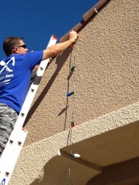 Mike the fix it guy great hooks hanging the christmas lights and how to hang the lightsd save your sanity too publicscrutiny Image collections