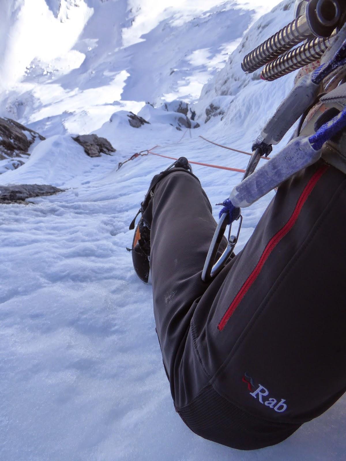 Guia de alta montaña Fernando Calvo . escaladas invernales en los picos de europa
