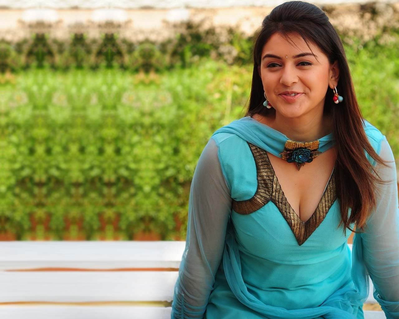 hansika motwani latest hot photoshoot 2 | movies information