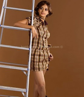 Bhavana hot thigh show new photos stills