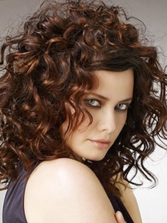 Cute Curly Hairstyles for Medium Hair
