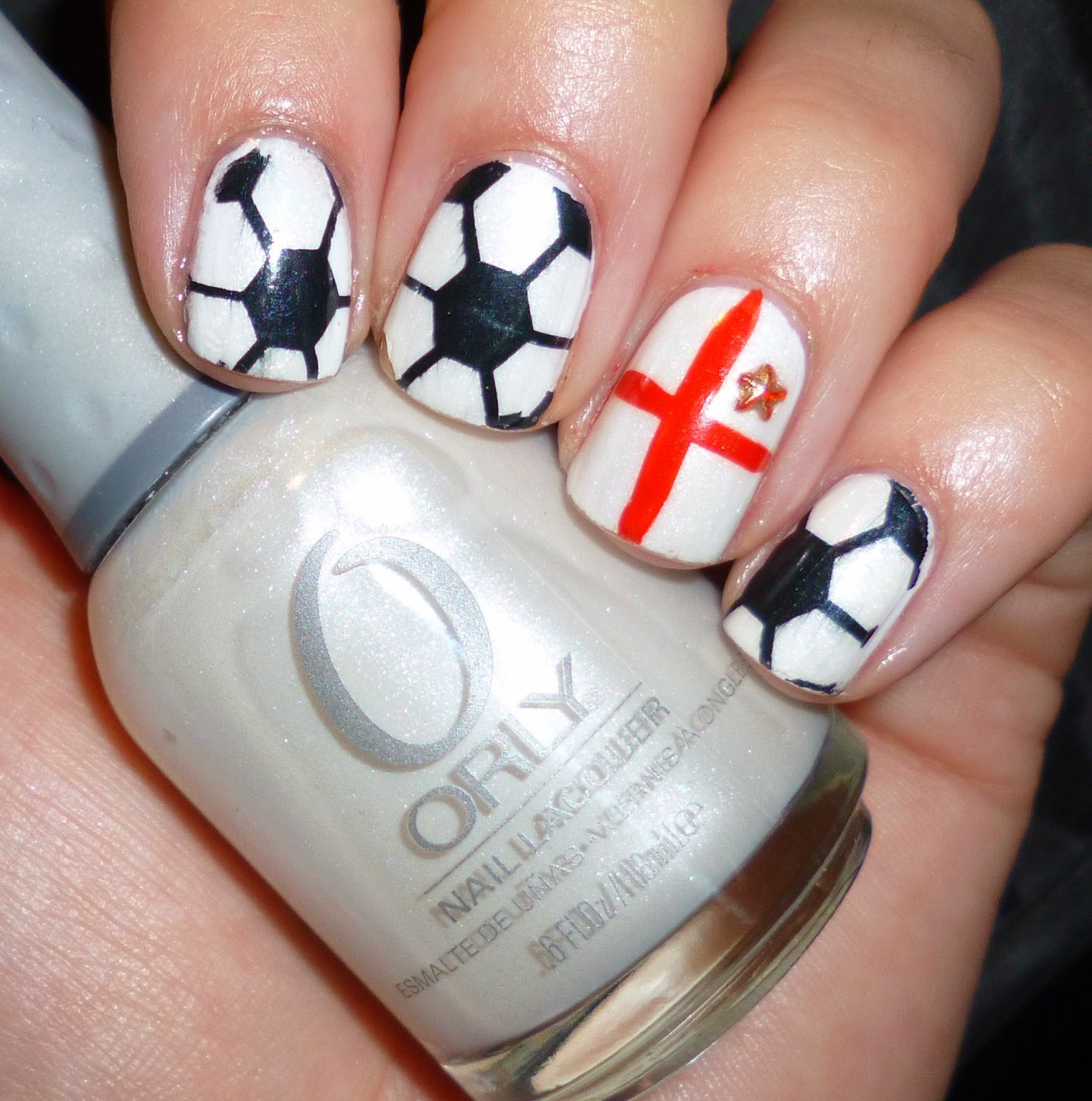Lou is Perfectly Polished: Happy Fathers Day: England Football nails