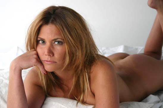 Ver Arma desnuda online y gratis Peliculas21com