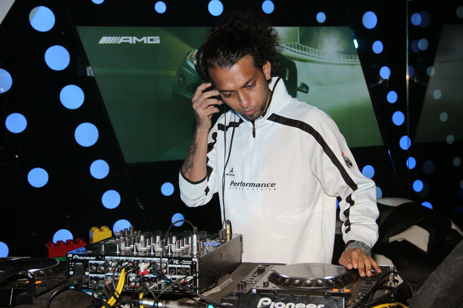 DJ Summit playing at Mercedes-Benz GLA-Class Preview at Shaman Wheels,Kalina