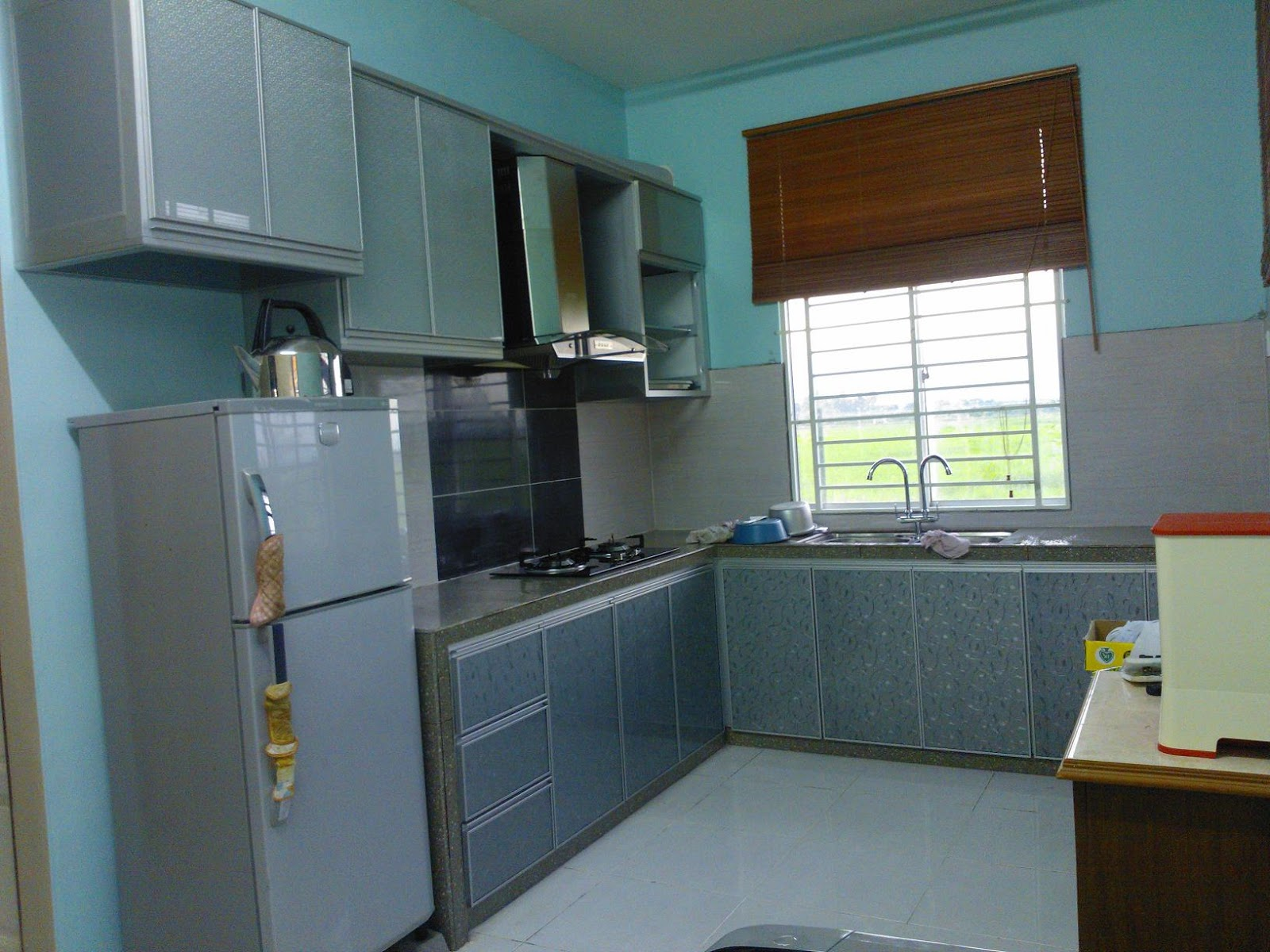 Kabinet dapur kecil 2014 ask home design for Kitchen set hitam putih