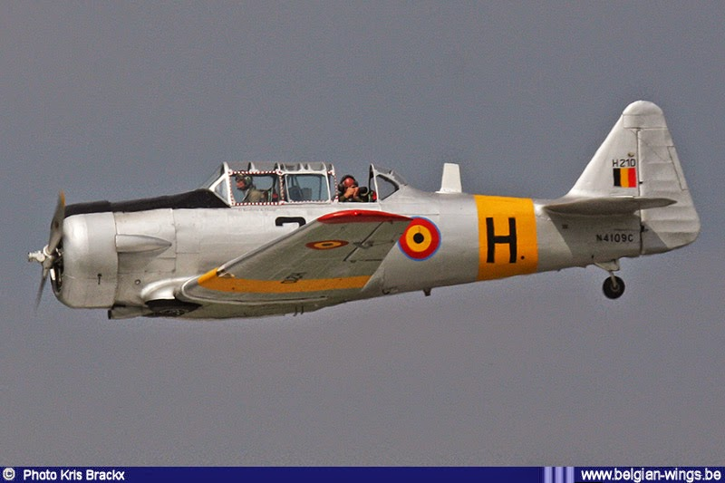 http://www.belgian-wings.be/Webpages/Navigator/Photos/Airshows/Stampe%20Fly%20In%20Deurne%202014.html