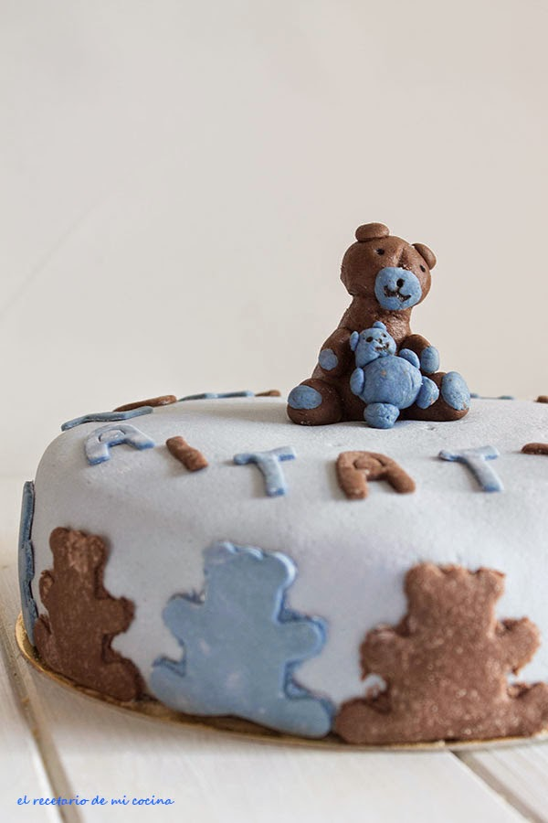 tarta de osito con bebe fondant