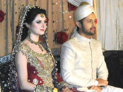 pakistancelebrities.blogspot.com - Atif Aslam With Sara Shadi Pictures Album 7