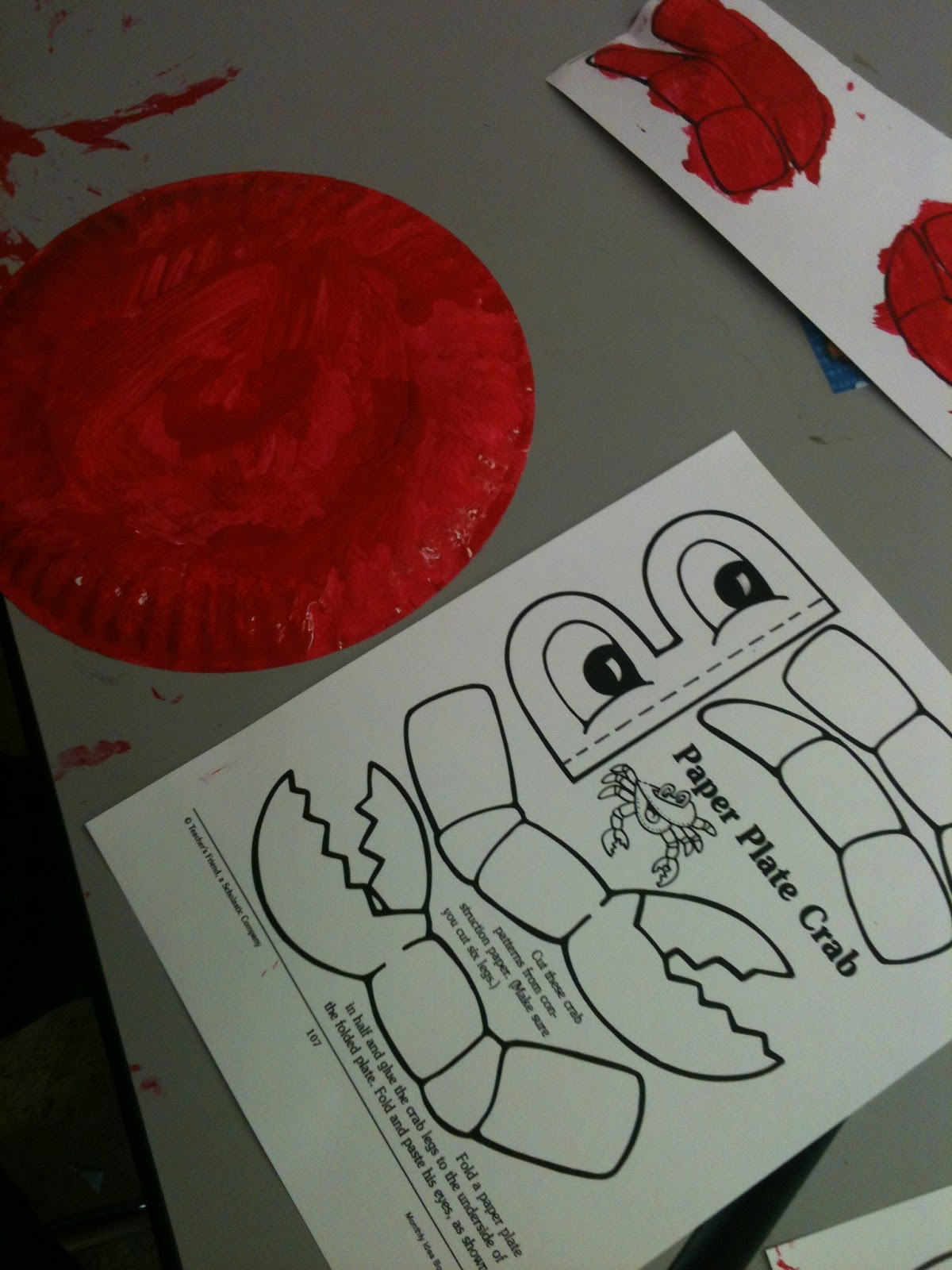 & Paper Plate Crab Template