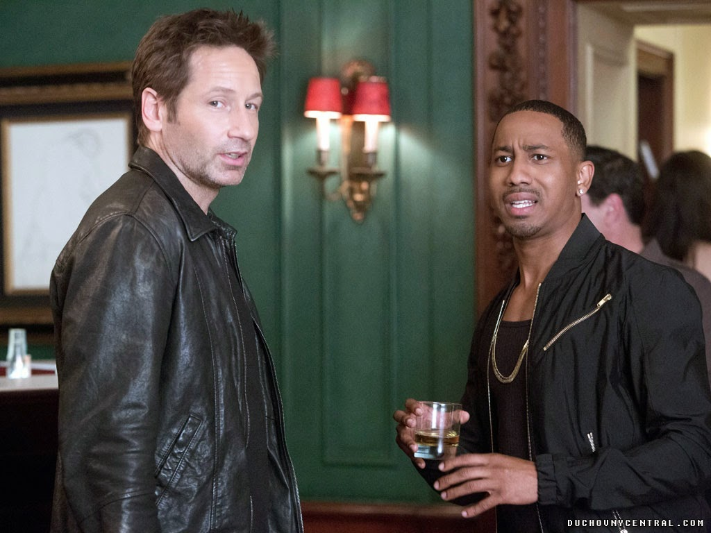 David Duchovny and Brandon T. Jackson in Californication Season 7 Episode 6 Kickoff