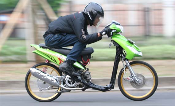 Modifikasi Yamaha Mio Sporty Barsaxx Speed Concept
