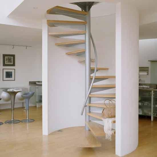 Ideas para cambiar el look a una escalera decoraci n retro - Escaleras poco espacio ...
