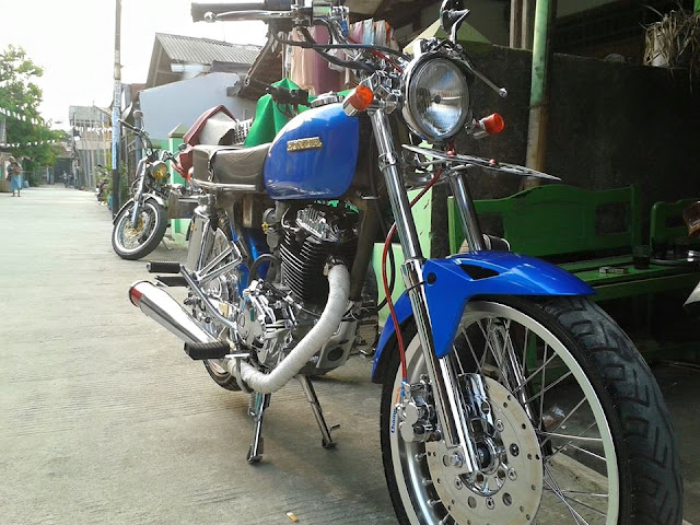 Foto Modifikasi Honda CB Biru Full Chrome