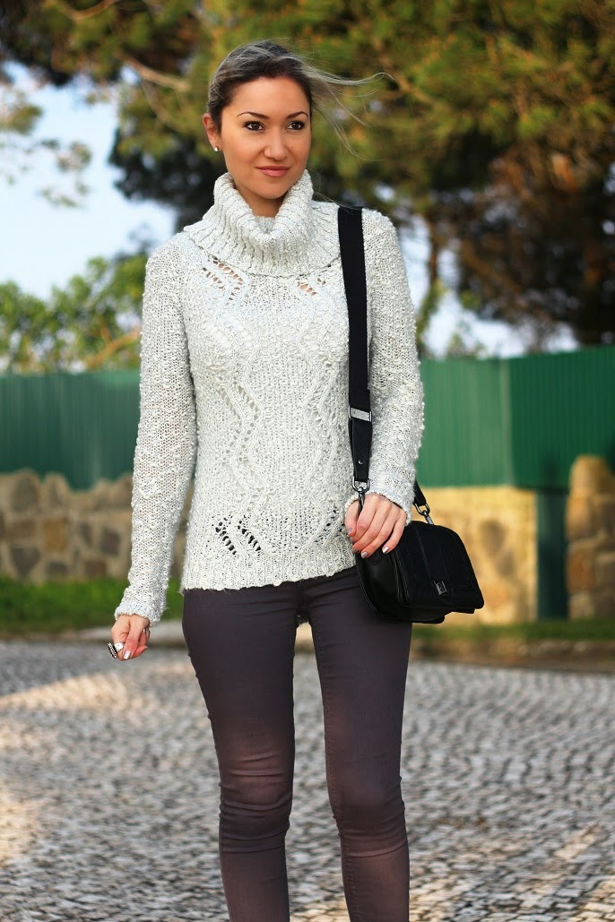 look do dia, ootd, outfit, silver sweater, guess, mango, hm, promod, look of the day, champagne, grey, shades of grey, tonalidades de cinzento, cinza, guess boots, mango bag, silver nails, grey jeans, blog de moda, style statement, blogue de moda, consultoria de imagem, dicas de imagem, blog de moda portugal, blogues de moda portugueses, personal stylist