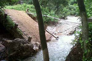 puente detruido en Yoro