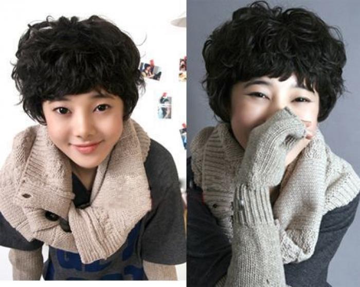 Rambut korea terbaru dengan poni yang indah mode ini memerlukan rambut