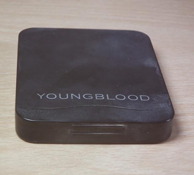 Young Blood Cosmetics Moulin Rouge Mineral Eye Shadow Palette Swatches