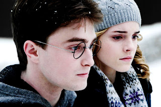 Emme Watson and Daniel Radcliffe HD Wallpaper