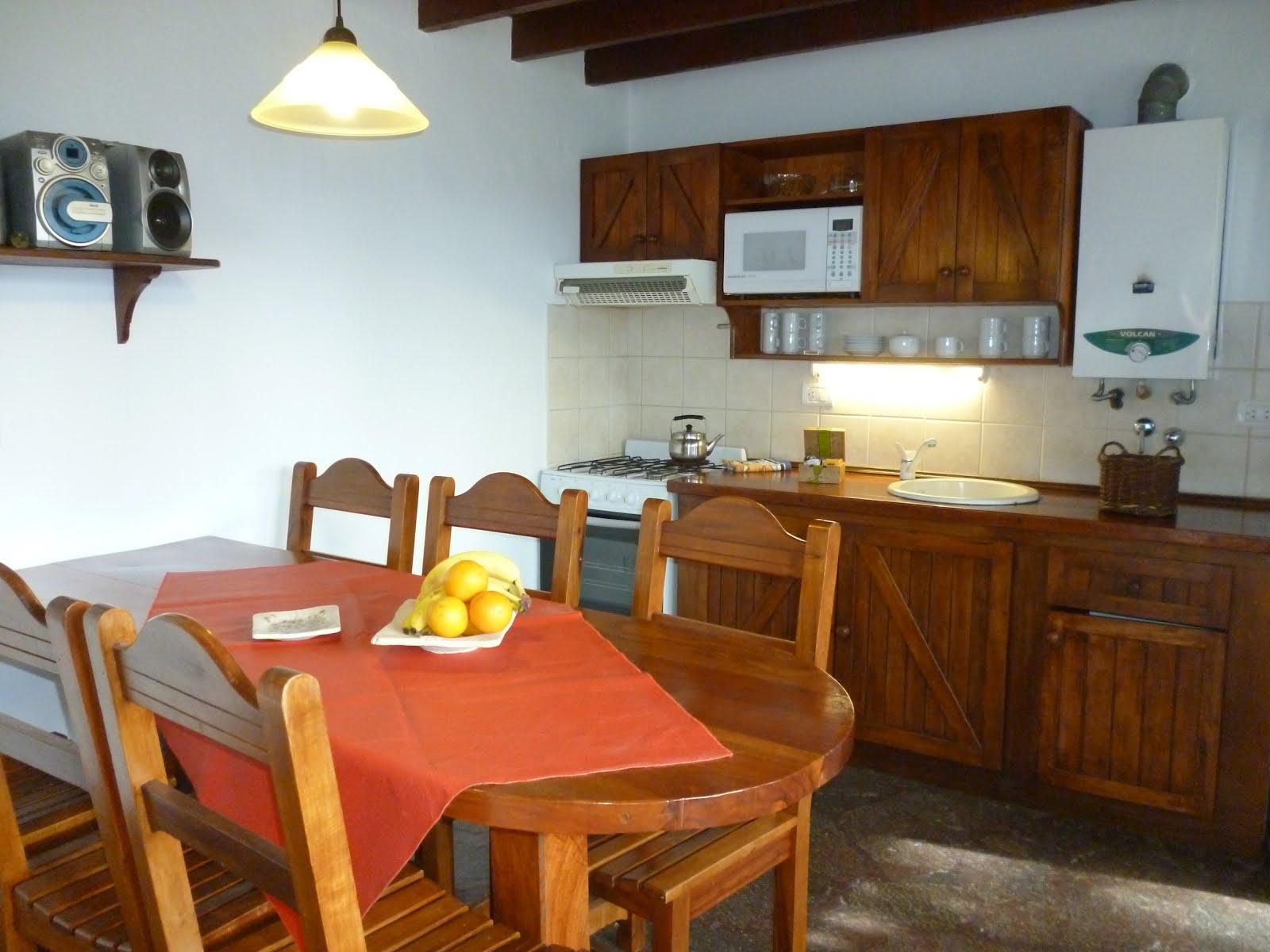 Apart CASA DE PIEDRA: Apart n° 3 ; dos cuartos + estar cocina