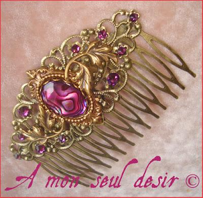 Peigne bijou médiéval renaissance accessoire cheveux coiffure abalone haliotis strass Swarovski violet améthyste medieval purple paua shell hair comb