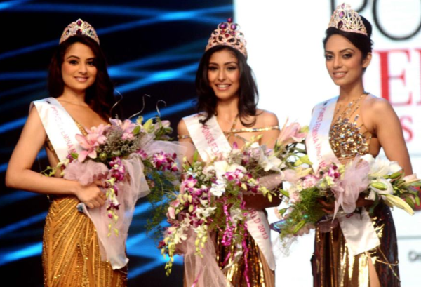 Femina Miss India 2013 winners Navneet Kaur Dhillon, Sobhita Dhulipala and Zoya Afroz