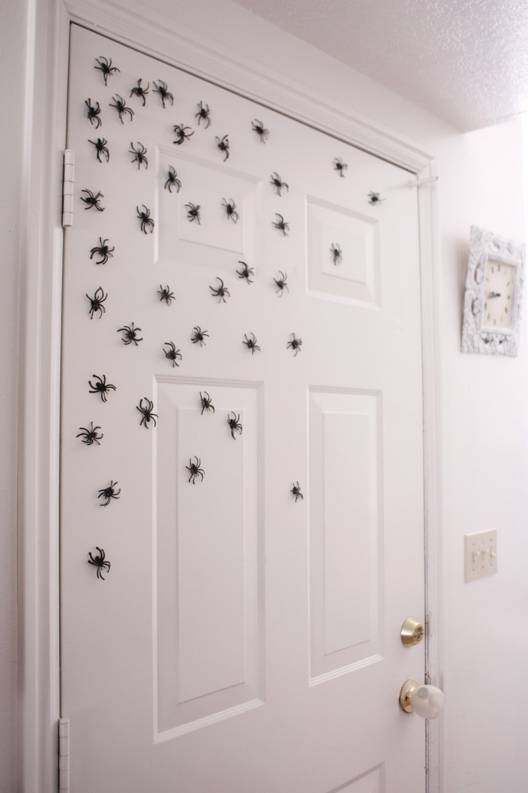 I ended up with about 40-45 spiders for a creepy crawly spider invasion. & Halloween Magnetic Spiders Pezcame.Com