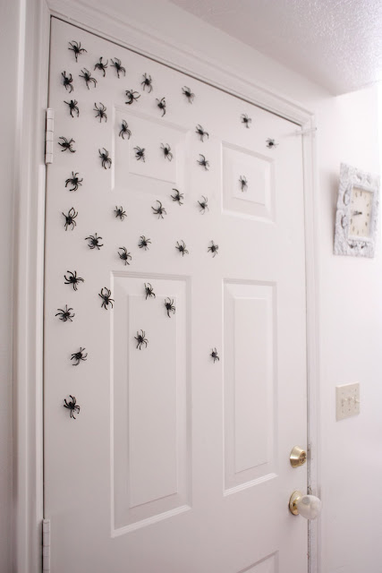 Halloween Magnetic Spiders - Delia Creates