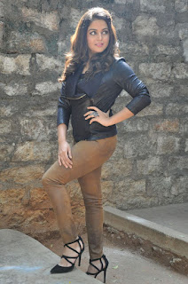 Actress Wamiqa latest glam pics 034.jpg