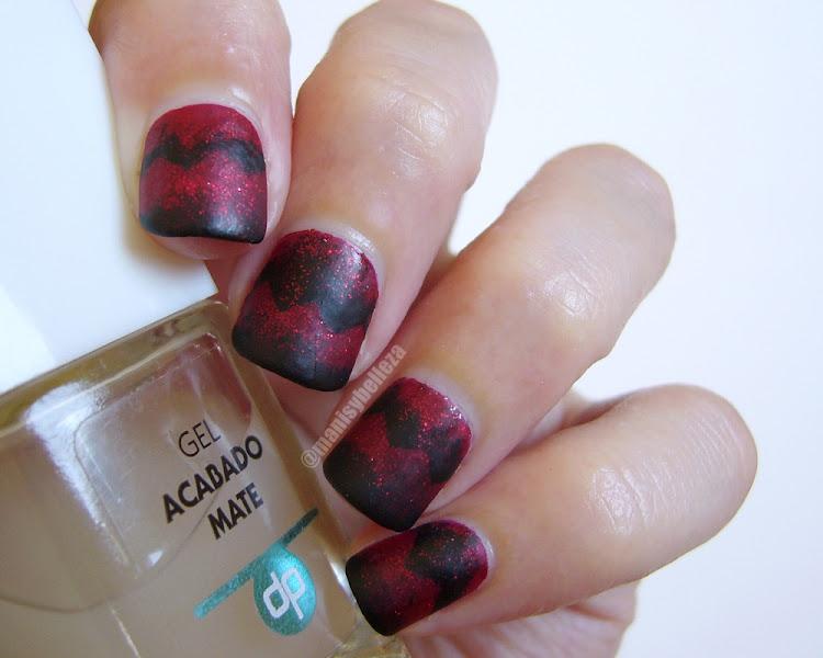 Nail art Chevron scaled gradient