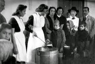 ΘΑ ΜΑΣ ΧΡΕΙΑΣΤΕΙ! Τι έτρωγαν στην Κατοχή;Πώς γίνεται να μαγειρεύεις χωρίς φαγητό; Διαβάστε τις συνταγές της πείνας