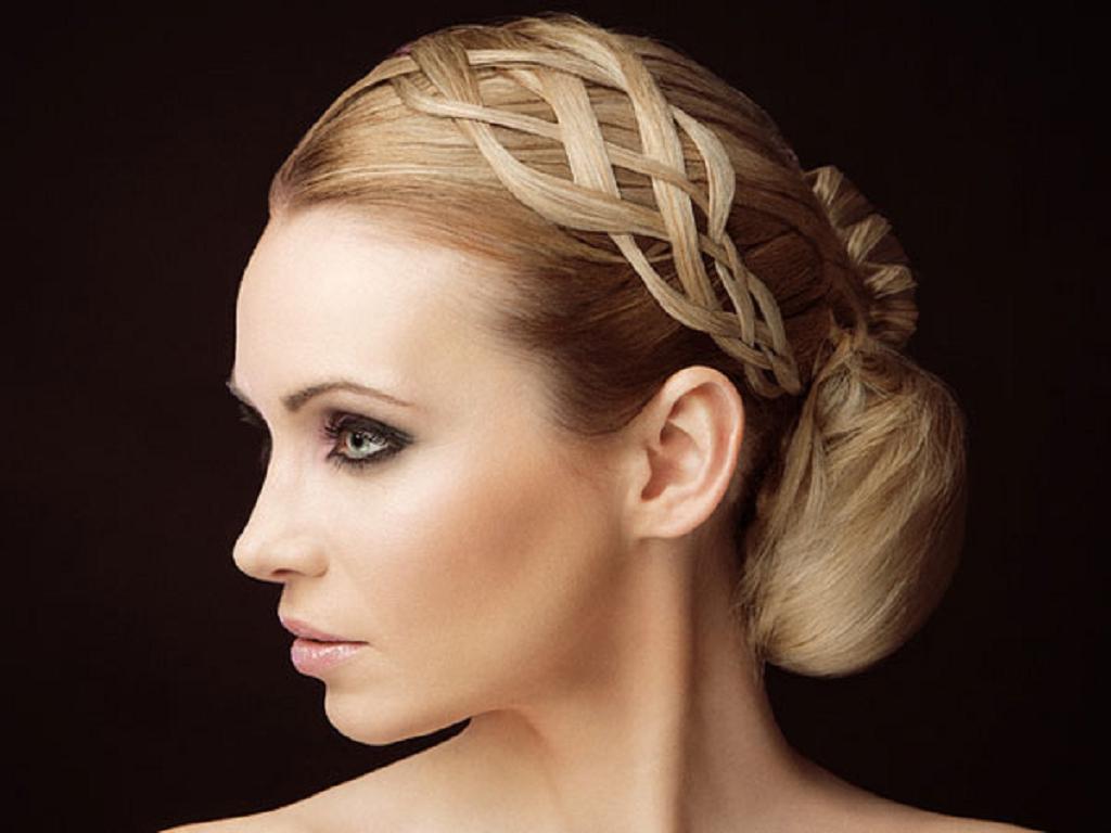 Peinados y tendencias de moda peinados de novia con trenzas - Peinado con trenza ...