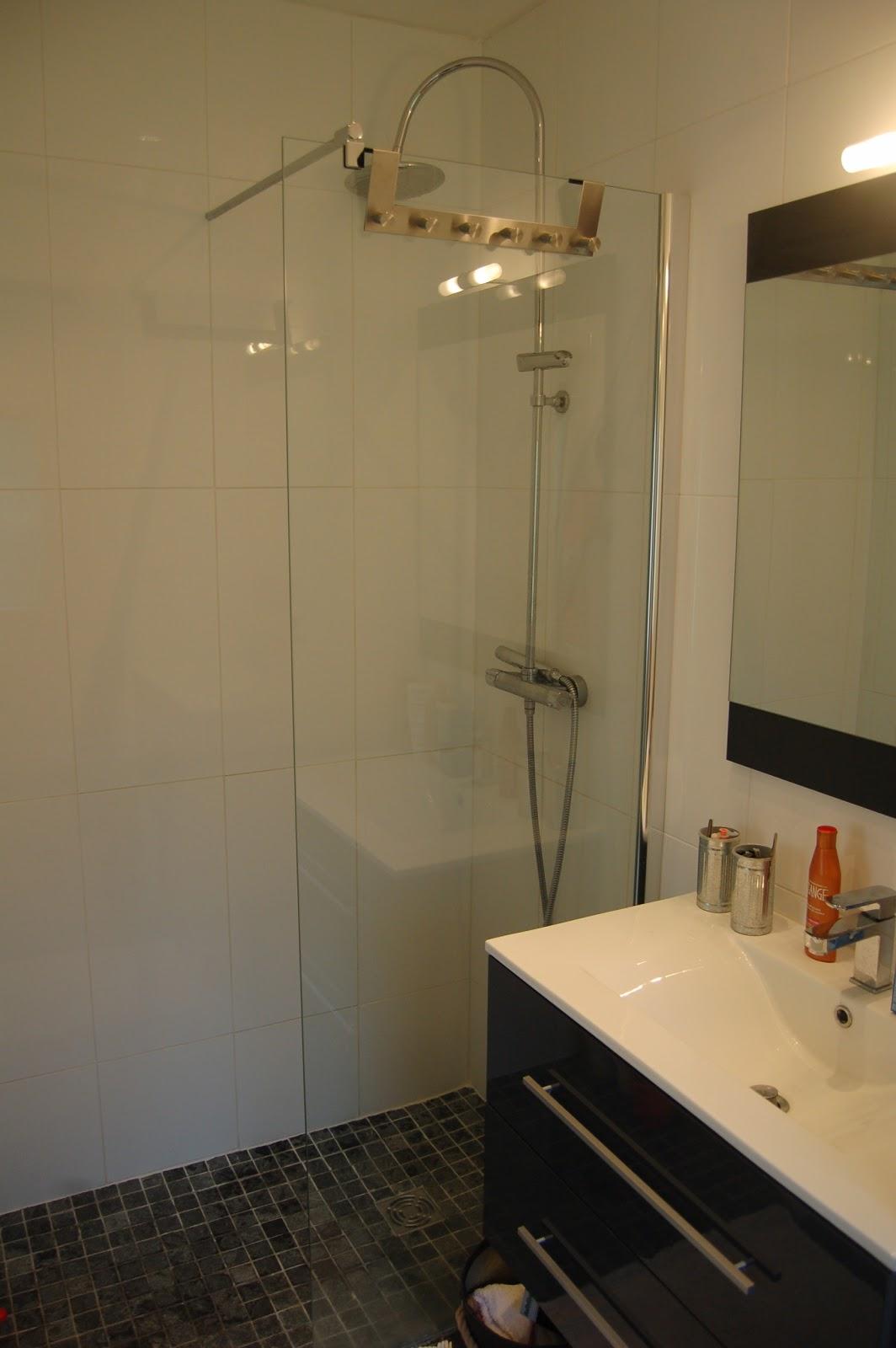 Salle de bain tage mamaisonrivegauche for Cout d une salle de bain a l italienne