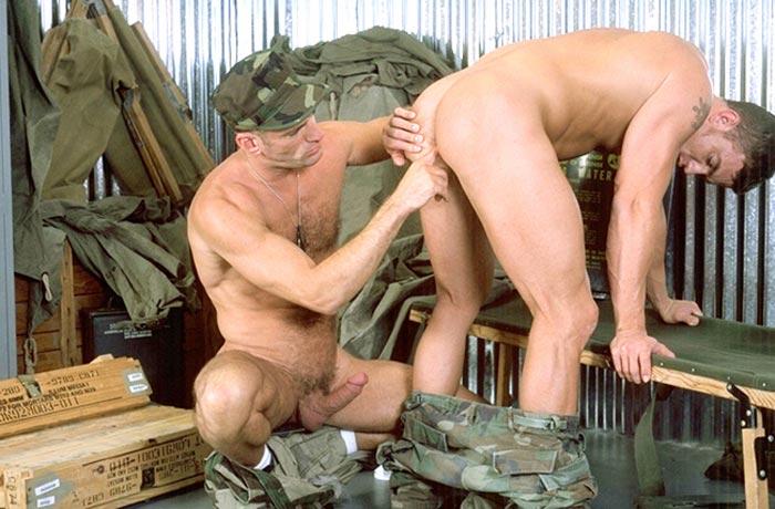 Гей порно солдаты фото 35764 фотография
