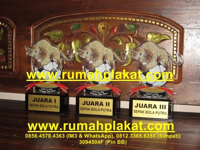 Cara Membuat Plakat Mika, pengrajin Plakat Medali, Pesan Plakat Kaca, 0856.4578.4363, www.rumahplakat.com