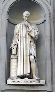 Machiavelli statue Uffizi Firenze Italia