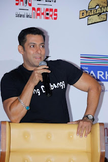 Salman Khan at Hyderabad for Dabangg2 promotion