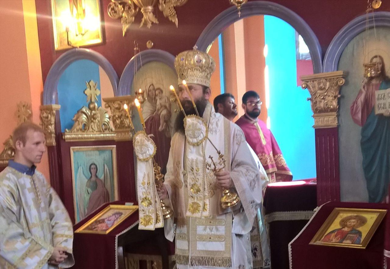 У пратњи Епископа Илариона приликом канонске посете Чубри, 2017. лета Господњег