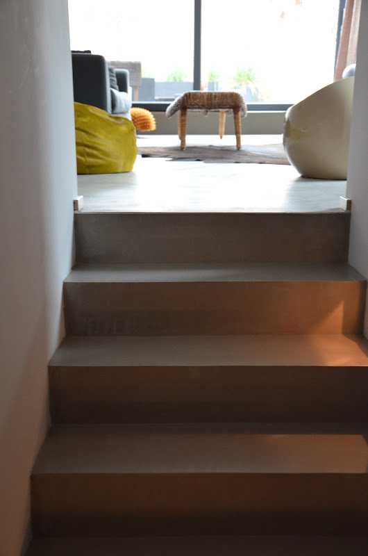 beton cire oberfl chen in beton look oktober 2012. Black Bedroom Furniture Sets. Home Design Ideas